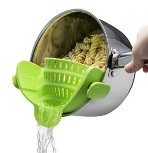 kitchen gizmo snap n strain strainer clip on silicone colander fits all